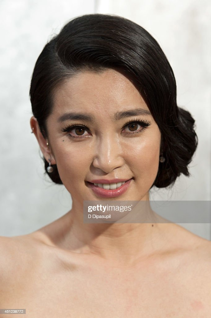 <a gi-track='captionPersonalityLinkClicked' href=/galleries/search?phrase=Li+Bingbing&family=editorial&specificpeople=697017 ng-click='$event.stopPropagation()'>Li Bingbing</a> attends the 'Transformers: Age Of Extinction' premiere at Ziegfeld Theater on June 25, 2014 in New York City.