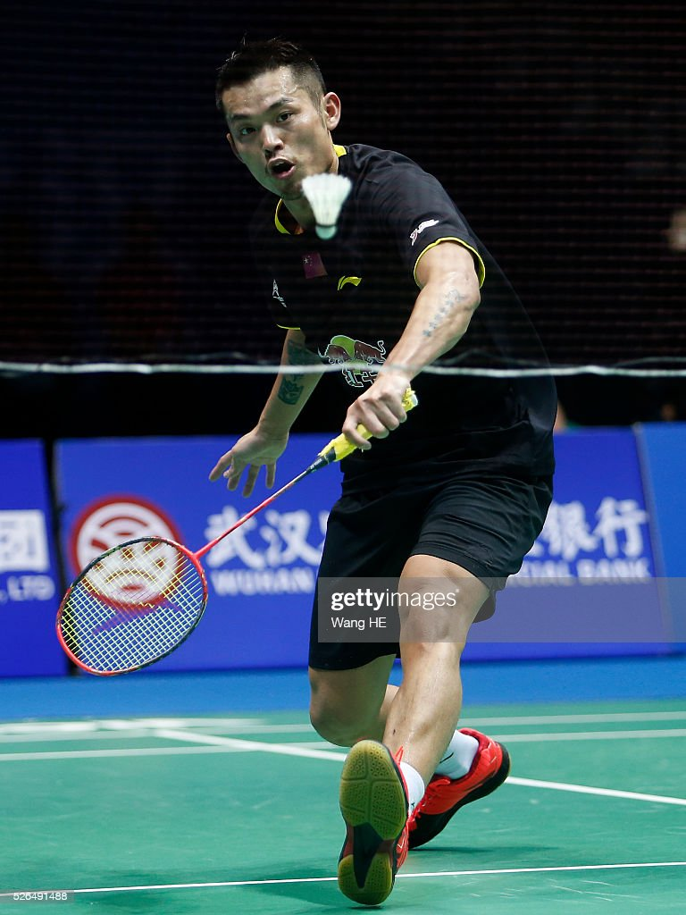 Li Dan of China returns a shot during Men's singles semi-final match against Lee Chong Wei of Malaysia at the 2016 Badminton Asia Championships, in Wuhan, Hubei province, China, April 30, 2016.