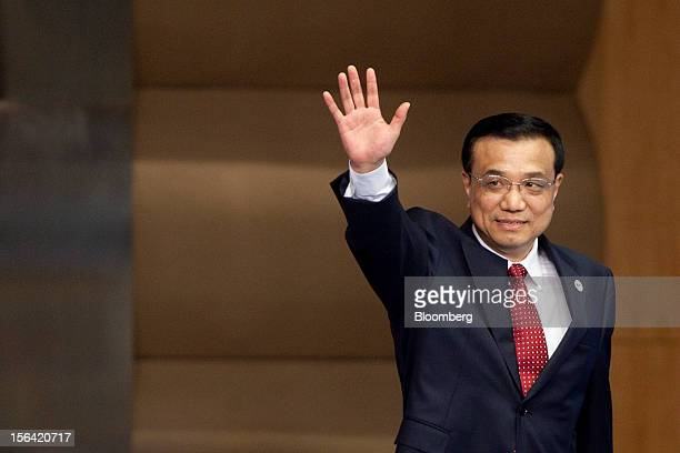 Li Keqiang China's vice premier arrives for the opening plenary at the Boao Forum for Asia in Boao Hainan Province China on Monday April 2 2012 Xi...