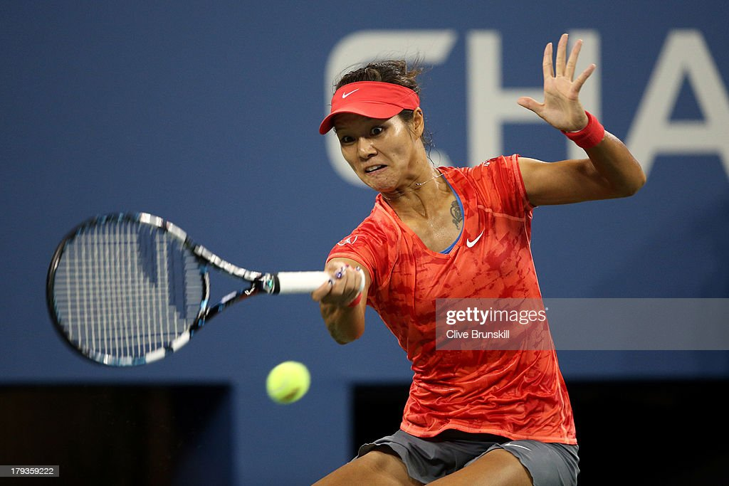 Li Na of China plays a forehand against Jelena Jankovic of Serbia during the third round match on Day Seven of the 2013 US Open at USTA Billie Jean King National Tennis Center on September 1, 2013 in the Flushing neighborhood of the Queens borough of New York City.
