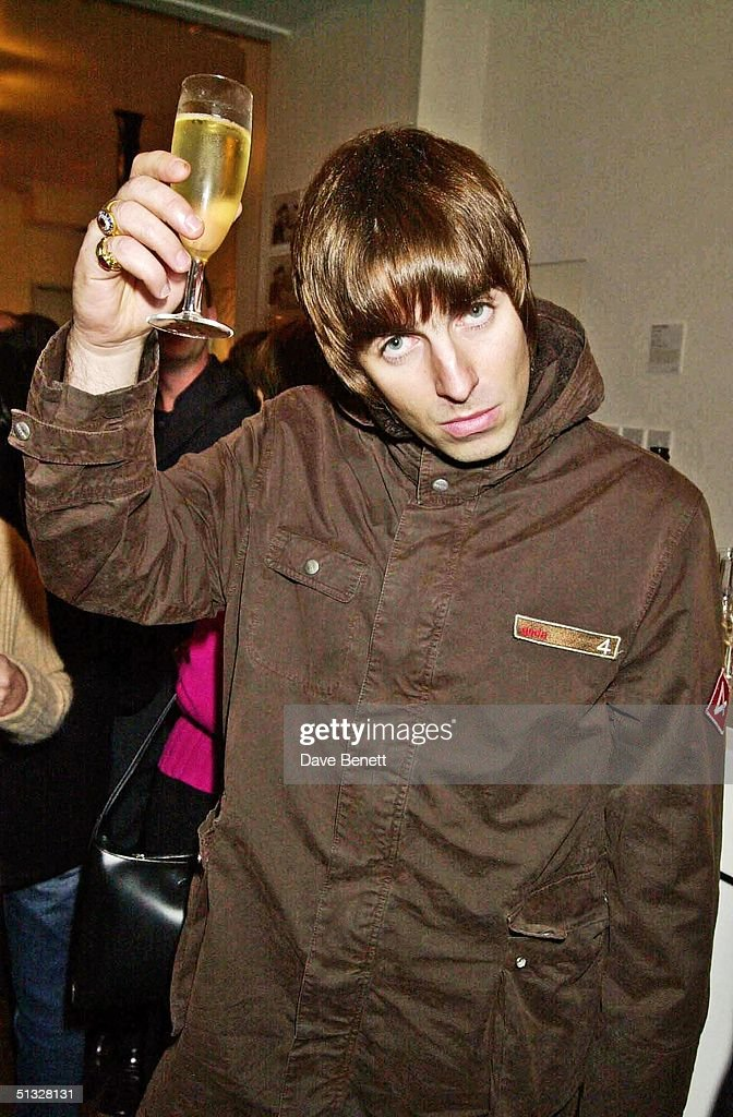 Liam Gallagher attends the Anouska Fisz Photographic Exhibition at The Eyestorm Gallery on November 15, 2001 in London.