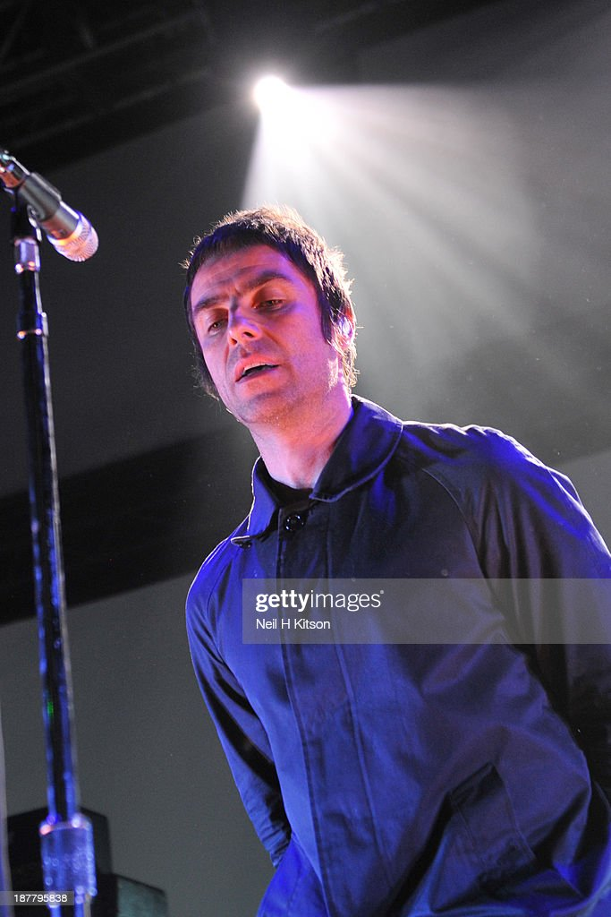 <a gi-track='captionPersonalityLinkClicked' href=/galleries/search?phrase=Liam+Gallagher&family=editorial&specificpeople=202958 ng-click='$event.stopPropagation()'>Liam Gallagher</a> of Beady Eye performs on stage at O2 Academy on November 12, 2013 in Leeds, England.