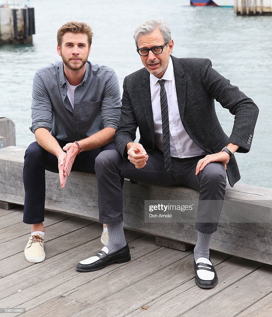 <a gi-track='captionPersonalityLinkClicked' href=/galleries/search?phrase=Liam+Hemsworth&family=editorial&specificpeople=6338547 ng-click='$event.stopPropagation()'>Liam Hemsworth</a> and <a gi-track='captionPersonalityLinkClicked' href=/galleries/search?phrase=Jeff+Goldblum&family=editorial&specificpeople=204160 ng-click='$event.stopPropagation()'>Jeff Goldblum</a> pose during an 'Independence Day Resurgence' photo call outside the Park Hyatt on June 1, 2016 in Sydney, Australia.