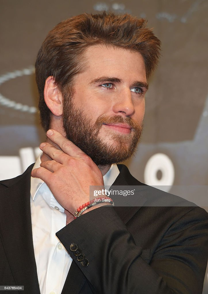 <a gi-track='captionPersonalityLinkClicked' href=/galleries/search?phrase=Liam+Hemsworth&family=editorial&specificpeople=6338547 ng-click='$event.stopPropagation()'>Liam Hemsworth</a> attends the premiere for 'Independence Day: Resurgence' at Roppongi Hills on June 29, 2016 in Tokyo, Japan.