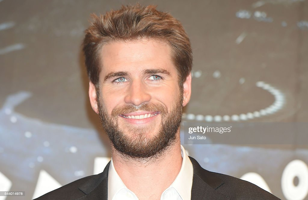 <a gi-track='captionPersonalityLinkClicked' href=/galleries/search?phrase=Liam+Hemsworth&family=editorial&specificpeople=6338547 ng-click='$event.stopPropagation()'>Liam Hemsworth</a> attends the premiere for 'Independence Day: Resurgence' at Roppongi Hills on June 30, 2016 in Tokyo, Japan.