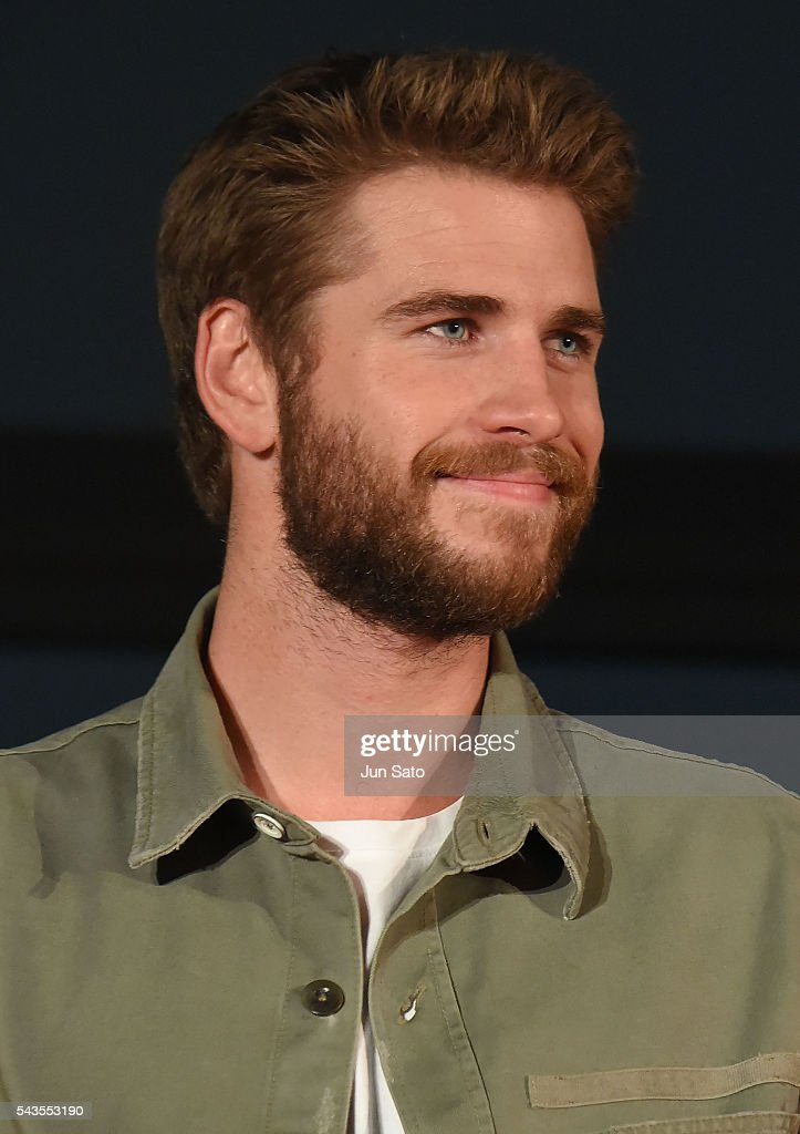 <a gi-track='captionPersonalityLinkClicked' href=/galleries/search?phrase=Liam+Hemsworth&family=editorial&specificpeople=6338547 ng-click='$event.stopPropagation()'>Liam Hemsworth</a> attends the press conference for 'Independence Day: Resurgence' at the Tokyo Skytree on June 29, 2016 in Tokyo, Japan.