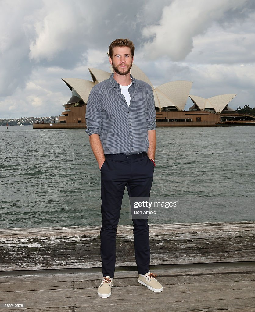 Liam Hensworth poses during an 'Independence Day Resurgence' photo call outside the Park Hyatt on June 1, 2016 in Sydney, Australia.
