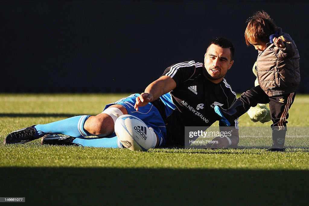 <a gi-track='captionPersonalityLinkClicked' href=/galleries/search?phrase=Liam+Messam&family=editorial&specificpeople=601526 ng-click='$event.stopPropagation()'>Liam Messam</a> plays with his son Jai during the New Zealand All Blacks captains run at Waikato Stadium on June 22, 2012 in Hamilton, New Zealand.