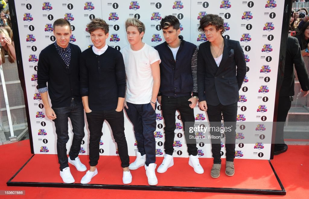 Liam Payne, Louis Tomlinson, Niall Horan, Zayn Malik and Harry Styles of 'One Direction' attend the BBC Radio 1 Teen Awards on October 7, 2012 in London, England.