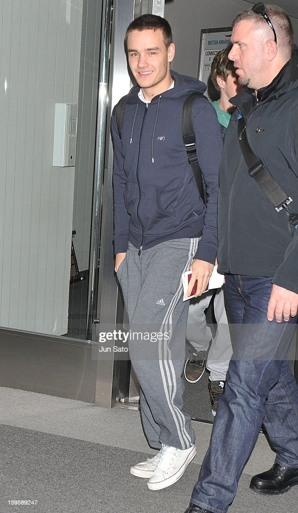 <a gi-track='captionPersonalityLinkClicked' href=/galleries/search?phrase=Liam+Payne&family=editorial&specificpeople=7235152 ng-click='$event.stopPropagation()'>Liam Payne</a> of One Direction is seen at Narita International Airport on January 17, 2013 in Narita, Japan.