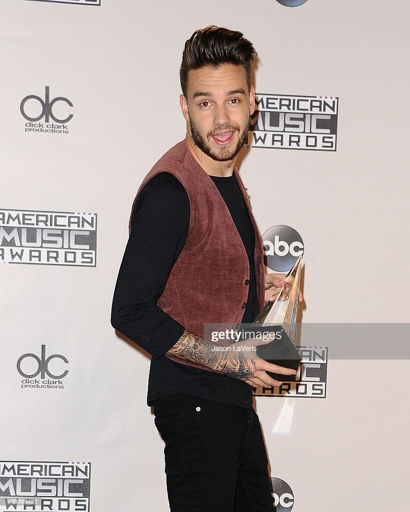 Liam Payne of One Direction poses in the press room at the 2015 American Music Awards at Microsoft Theater on November 22 2015 in Los Angeles...