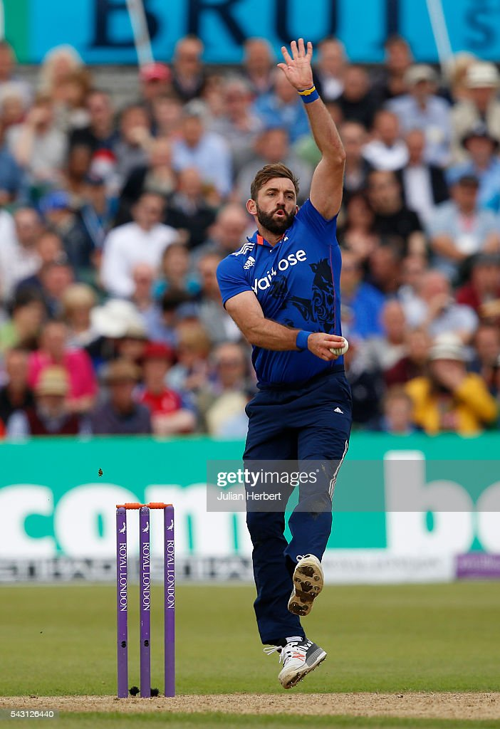 <a gi-track='captionPersonalityLinkClicked' href=/galleries/search?phrase=Liam+Plunkett&family=editorial&specificpeople=535638 ng-click='$event.stopPropagation()'>Liam Plunkett</a> of England bowls during The 3rd ODI Royal London One-Day match between England and Sri Lanka at The County Ground on June 26, 2016 in Bristol, England.