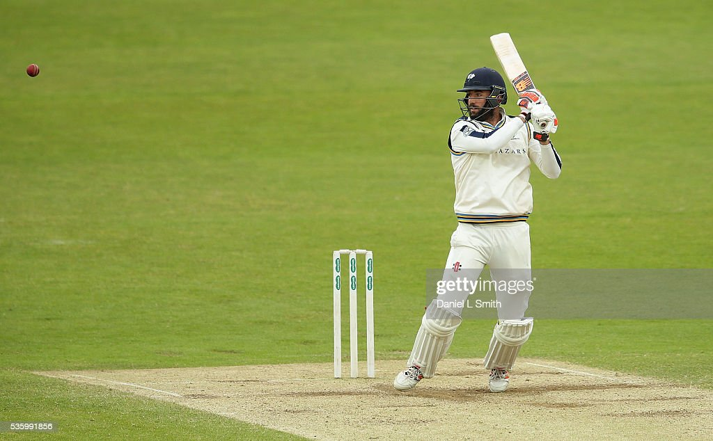 <a gi-track='captionPersonalityLinkClicked' href=/galleries/search?phrase=Liam+Plunkett&family=editorial&specificpeople=535638 ng-click='$event.stopPropagation()'>Liam Plunkett</a> of Yorkshire bats during day three of the Specsavers County Championship: Division One match between Yorkshire and Lancashire at Headingley on May 31, 2016 in Leeds, England.