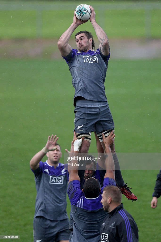 Liam Squire of the All Blacks practices the lineout during a New Zealand All Blacks training session at Trusts Stadium on May 31, 2016 in Auckland, New Zealand.
