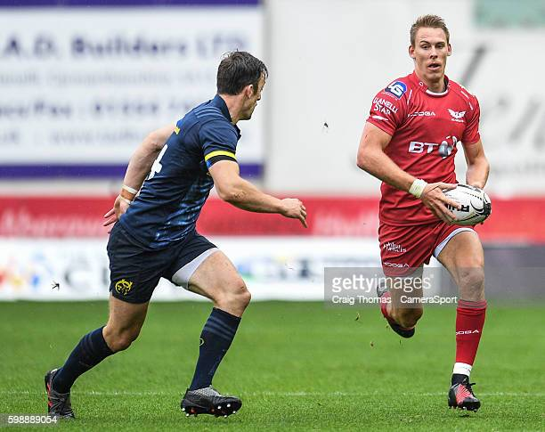 Liam Williams of Scarlets in action during the Guinness PRO12 Round 1 match between Scarlets and Munster Rugby at Parc y Scarlets on September 3 2016...
