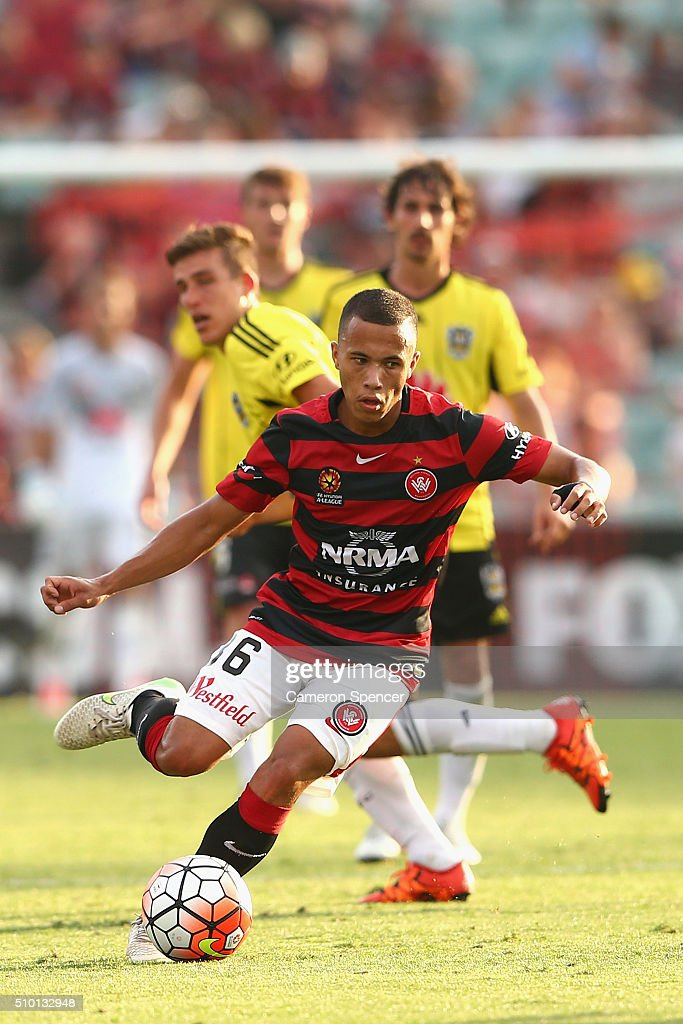 Liam Youlley of the Wanderers controls the ball during the round 19 A-League match between the Western Sydney Wanderers and the Wellington Phoenix at Pirtek Stadium on February 14, 2016 in Sydney, Australia.