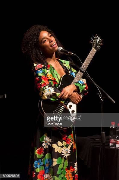 Lianne La Havas performs on stage during Festival del Millenni at Casino de l'Alianca del Poble Nou on November 3 2016 in Barcelona Spain