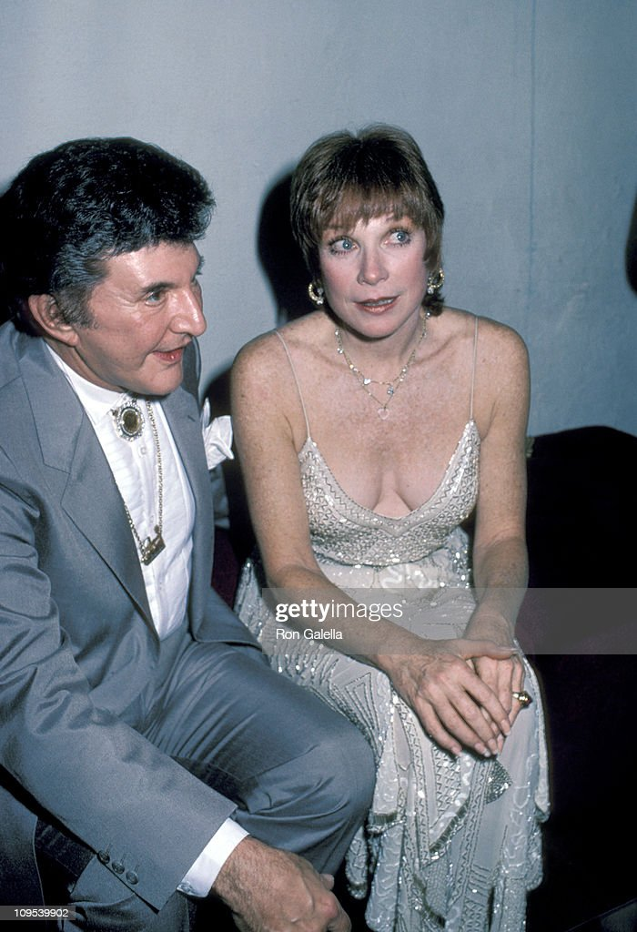 <a gi-track='captionPersonalityLinkClicked' href=/galleries/search?phrase=Liberace+-+Pianist&family=editorial&specificpeople=208688 ng-click='$event.stopPropagation()'>Liberace</a> and Shirley Maclaine during <a gi-track='captionPersonalityLinkClicked' href=/galleries/search?phrase=Shirley+MacLaine&family=editorial&specificpeople=204788 ng-click='$event.stopPropagation()'>Shirley MacLaine</a>'s 50th Birthday Party, 1984 at Limelight in New York, New York, United States.