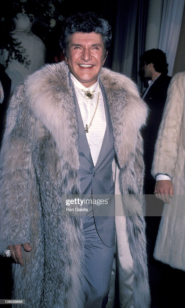 <a gi-track='captionPersonalityLinkClicked' href=/galleries/search?phrase=Liberace+-+Pianist&family=editorial&specificpeople=208688 ng-click='$event.stopPropagation()'>Liberace</a> during Shirley MacLaine's 50th Birthday Party, 1984 at Limelight in New York, New York, United States.