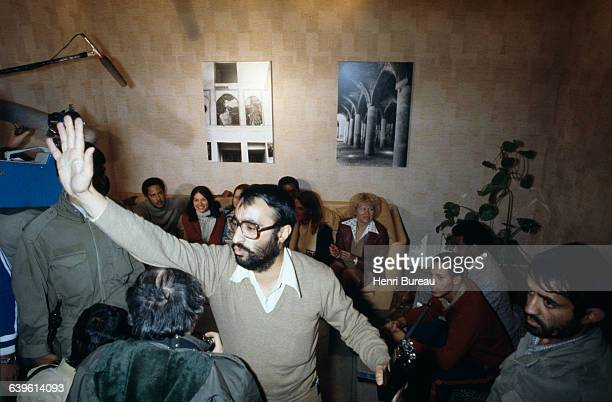 Liberation of 13 of the 63 American hostages two weeks following the hostage taking of November 4 1979 Here hostages participate in a press...