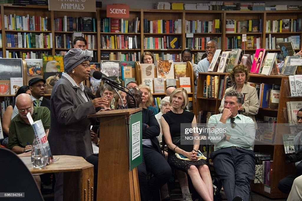 Liberian President Ellen Johnson Sirleaf speaks at the Politics and Prose bookstore in Washington, DC, on May 31, 2016 for the launch of a book about by K. Riva Levinson, president and CEO of KRL International LLC, a Washington communications and government relations firm that serves as the consultancy of record for Liberia. / AFP / NICHOLAS