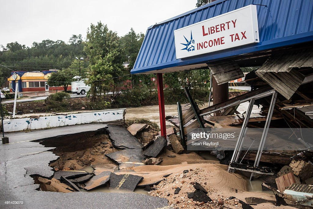 Liberty Income Tax store shows damage from yesterday's flood waters on Garners Ferry Road following flooding in the area October 5 2015 in Columbia...