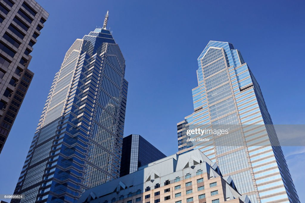 Liberty Place skyscrapers against blue skies : Stock Photo