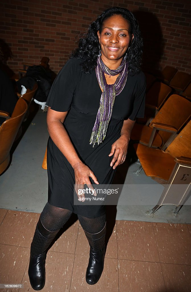 Liberty Player <a gi-track='captionPersonalityLinkClicked' href=/galleries/search?phrase=Kym+Hampton&family=editorial&specificpeople=577952 ng-click='$event.stopPropagation()'>Kym Hampton</a> visits the Jackie Robinson Elementary School on February 27, 2013, in New York City.