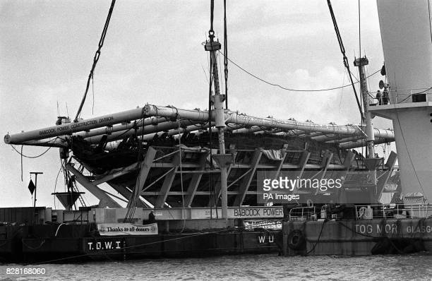 Library filer daTEd 11/10/82 of the Mary Rose being raised from the seabed The anchor from King Henry VIII's flagship the Mary Rose which foundered...