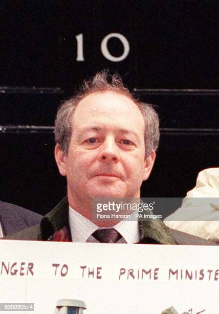 Library filer dated 25/4/1991 of Newcastle Tyne Bridge MP David Clelland outside 10 Downing Street where he was delivering a giant postcard ofn a...