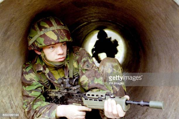 Library filer dated 921995 of Private Stuart Palmer from Blackwood south Wales a solider in the Territorial Army during a training exercise prior to...