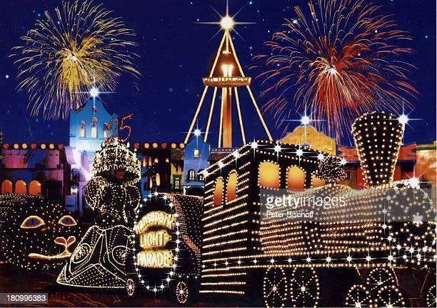 Lichterparade 'Festival der Lichter' 'Hansapark' Sierksdorf an der Ostsee Feuerwerk Lichter Beleuchtung beleuchtete Lokomotive Parade Reise PNr...