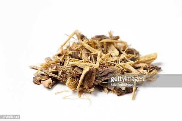 licorice root chopped