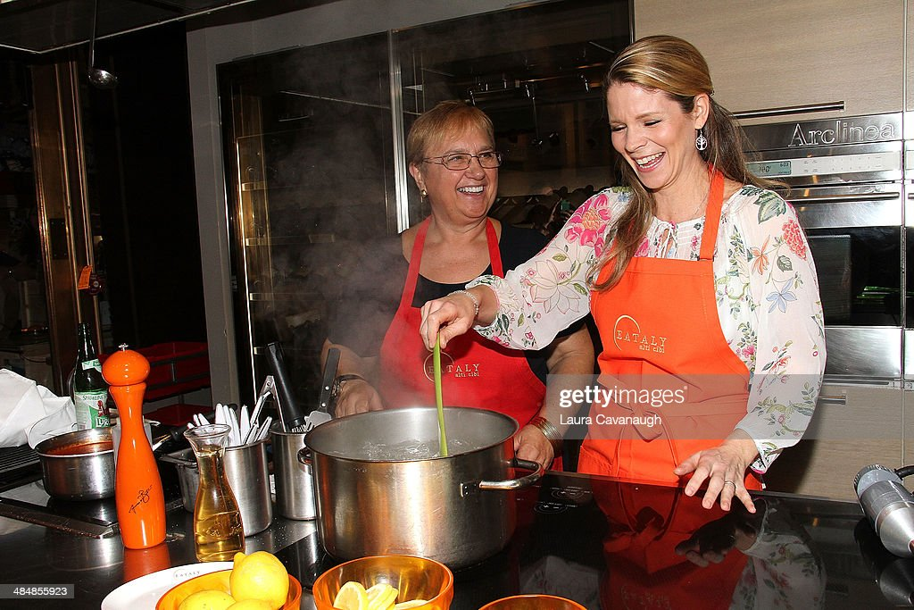 Demonstration Cooking kelli o'hara and chef lidia bastianich special cooking