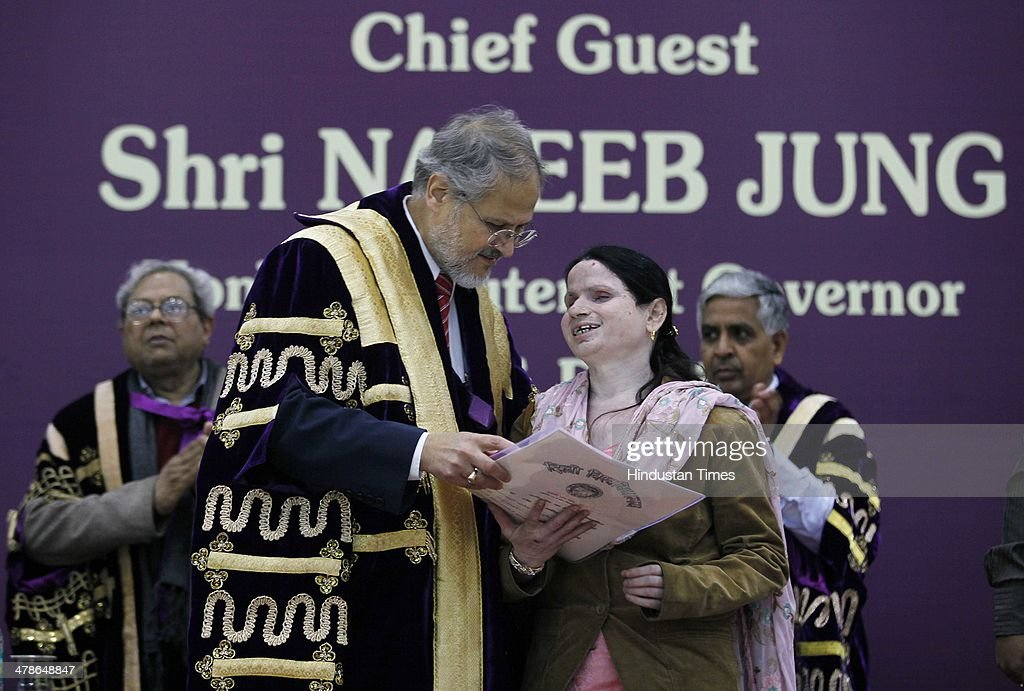 Lieutenant Governor Najeeb Jung gives a doctorate degree during the 91th annual convocation of Delhi University at Old Vice-Regal Lodge on March 14, 2014 in New Delhi, India. Najeeb Jung was the chief guest.