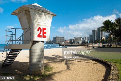 Lifeguard hut on the beach, Waikiki Beach, Honolulu, Oahu, Hawaii Islands, USA : Foto de stock