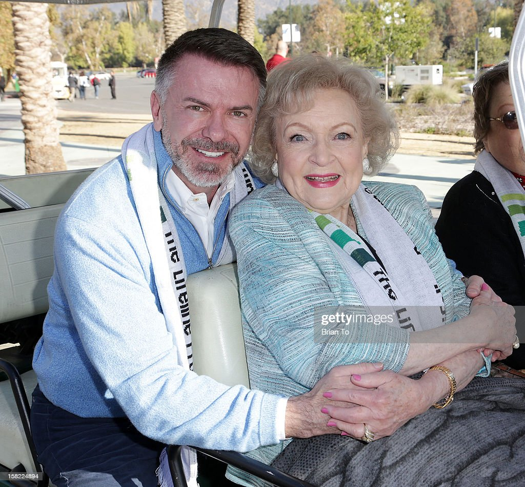 Lifeline Program Founder & CEO Wm. Scott Page and actress <a gi-track='captionPersonalityLinkClicked' href=/galleries/search?phrase=Betty+White&family=editorial&specificpeople=213602 ng-click='$event.stopPropagation()'>Betty White</a> attend Betty 'White Out' Tour at The Los Angeles Zoo with The Lifeline Program at Los Angeles Zoo on December 11, 2012 in Los Angeles, California.