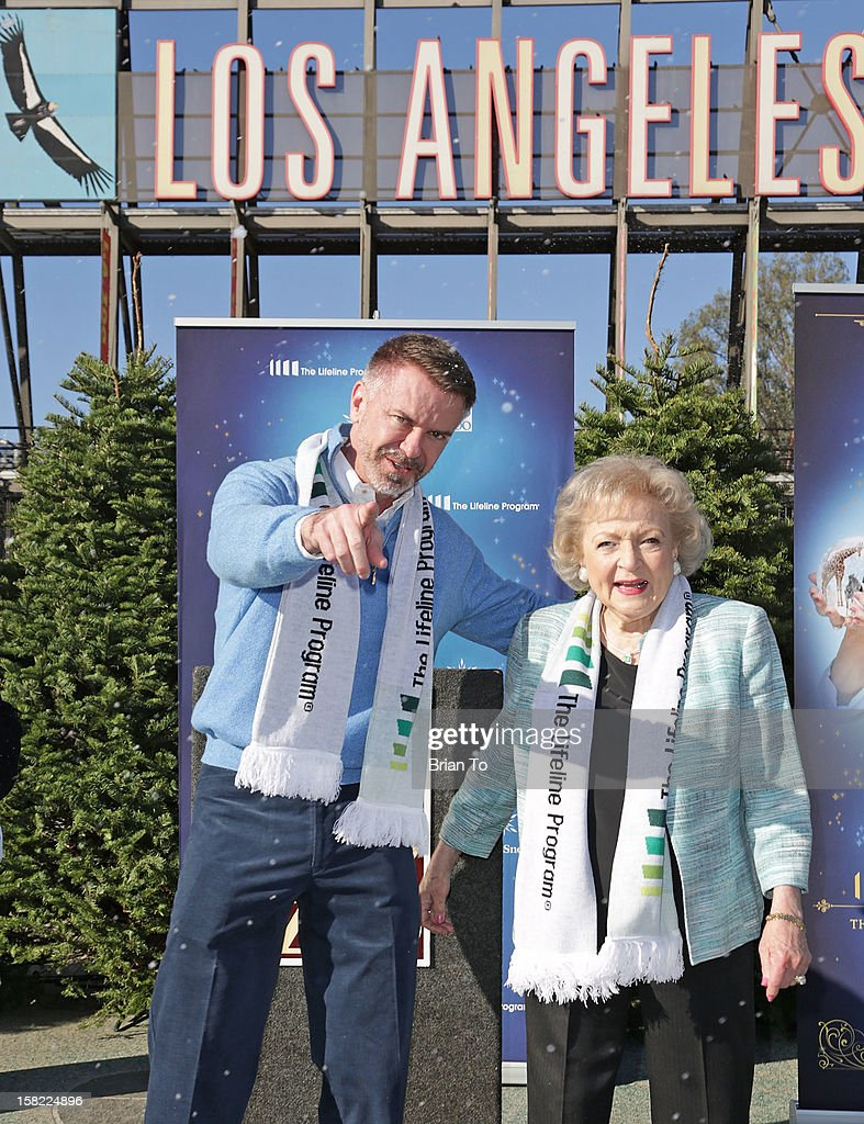 Lifeline Program Founder & CEO Wm. Scott Page and actress Betty White attend Betty 'White Out' Tour at The Los Angeles Zoo with The Lifeline Program at Los Angeles Zoo on December 11, 2012 in Los Angeles, California.