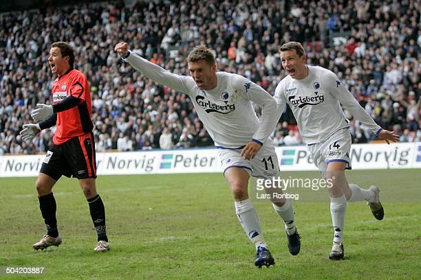 Liga Marcus Allbäck FCK has made the 10 goal Michael Gravgaard FCK celebrating with him