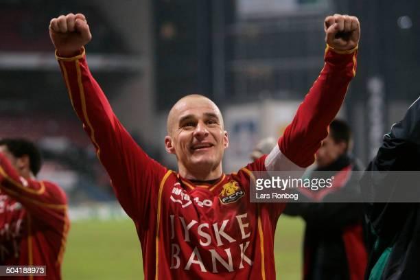 Liga Tommy Olsen FC Nordsjælland celebrating