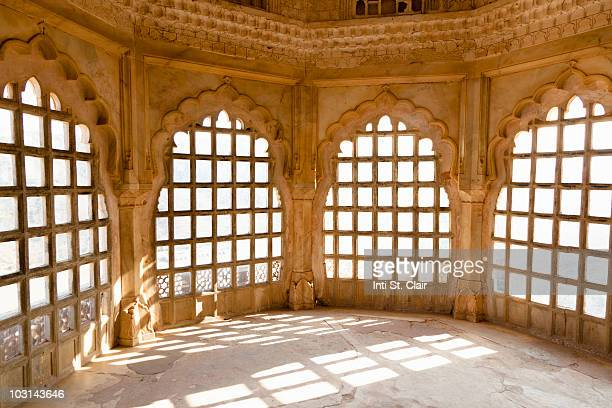 Light streaming through the windows in Amber Fort