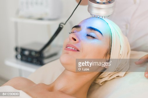 スパ クリニックで光治療 : ストックフォト
