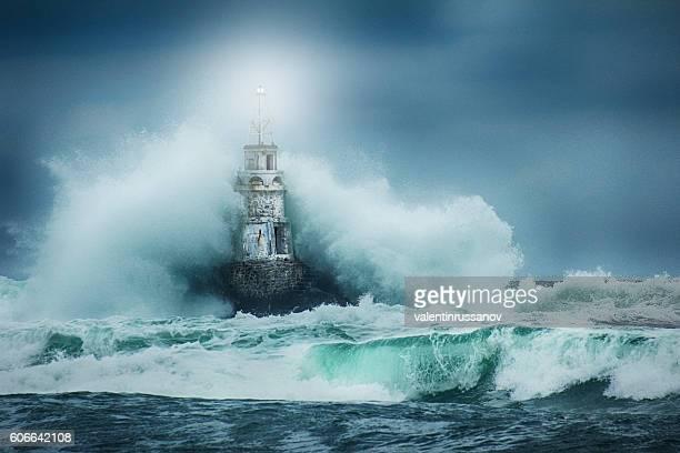 灯台とストーム