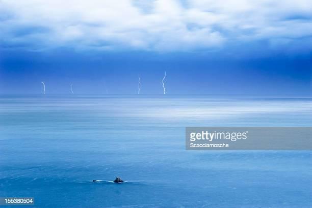 Lightning, Paesaggio marino