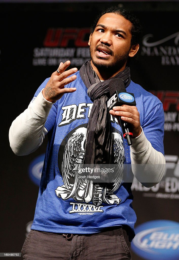 UFC lightweight champion Benson Henderson interacts with fans during a Q&A session before the UFC 156 weigh-in on February 1, 2013 at Mandalay Bay Events Center in Las Vegas, Nevada.
