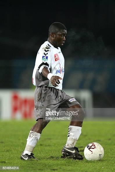 Ligue 2 Soccer Championship season 20052006 Valenciennes vs Sedan Marcus Mokake Mwambo