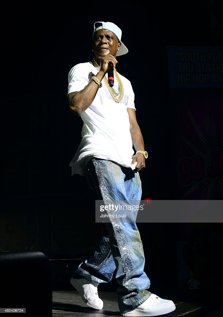 <a gi-track='captionPersonalityLinkClicked' href=/galleries/search?phrase=Lil+Boosie&family=editorial&specificpeople=1295943 ng-click='$event.stopPropagation()'>Lil Boosie</a> performs at James L Knight Center on July 19, 2014 in Hallandale, Florida.