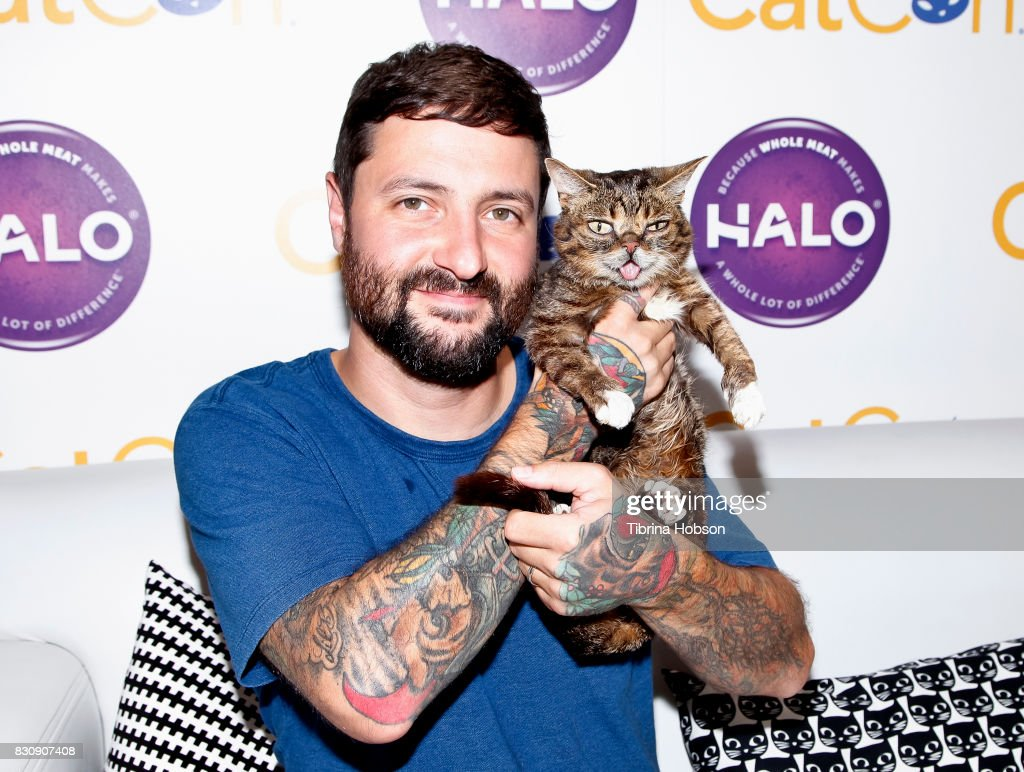 Lil Bub and Mike Bridavsky attend the 3rd Annual CatCon at Pasadena Convention Center on August 12, 2017 in Pasadena, California.