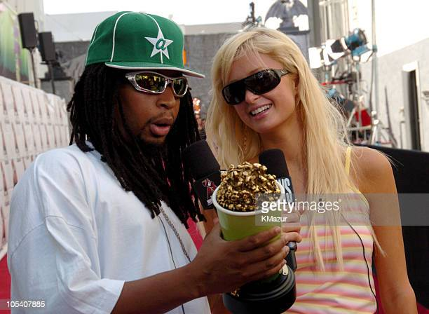 Lil' Jon and Paris Hilton during MTV Movie Awards 2004 Backstage and Audience at Sony Pictures Studios in Culver City California United States