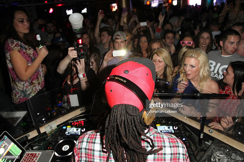 <a gi-track='captionPersonalityLinkClicked' href=/galleries/search?phrase=Lil+Jon+-+Rappare&family=editorial&specificpeople=202659 ng-click='$event.stopPropagation()'>Lil Jon</a> performs at the <a gi-track='captionPersonalityLinkClicked' href=/galleries/search?phrase=Lil+Jon+-+Rappare&family=editorial&specificpeople=202659 ng-click='$event.stopPropagation()'>Lil Jon</a> Birthday Party at Downstairs Bar on January 17, 2013 in Park City, Utah.